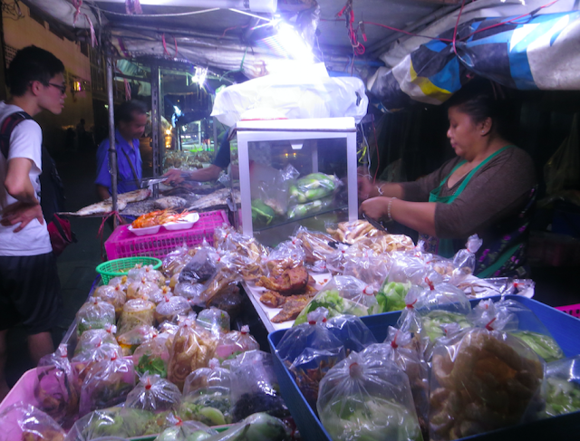 Pratunam Night Market
