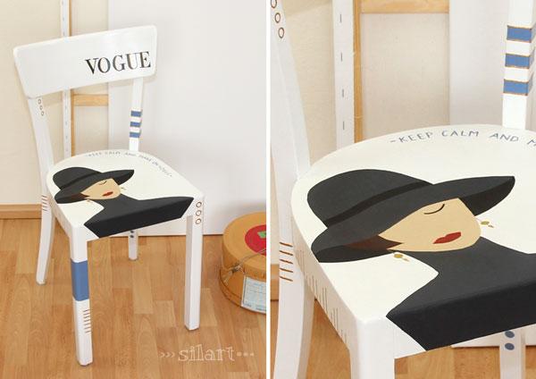 Stuhl mit Frauenmotiv und Vogue Schriftzug