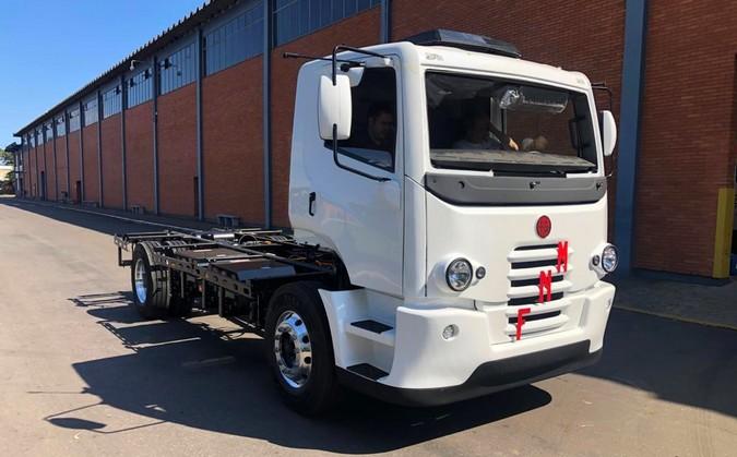Novos caminhões FNM começam a ser produzidos no Brasil; Agora com 350 cv e 3.500 Nm de torque
