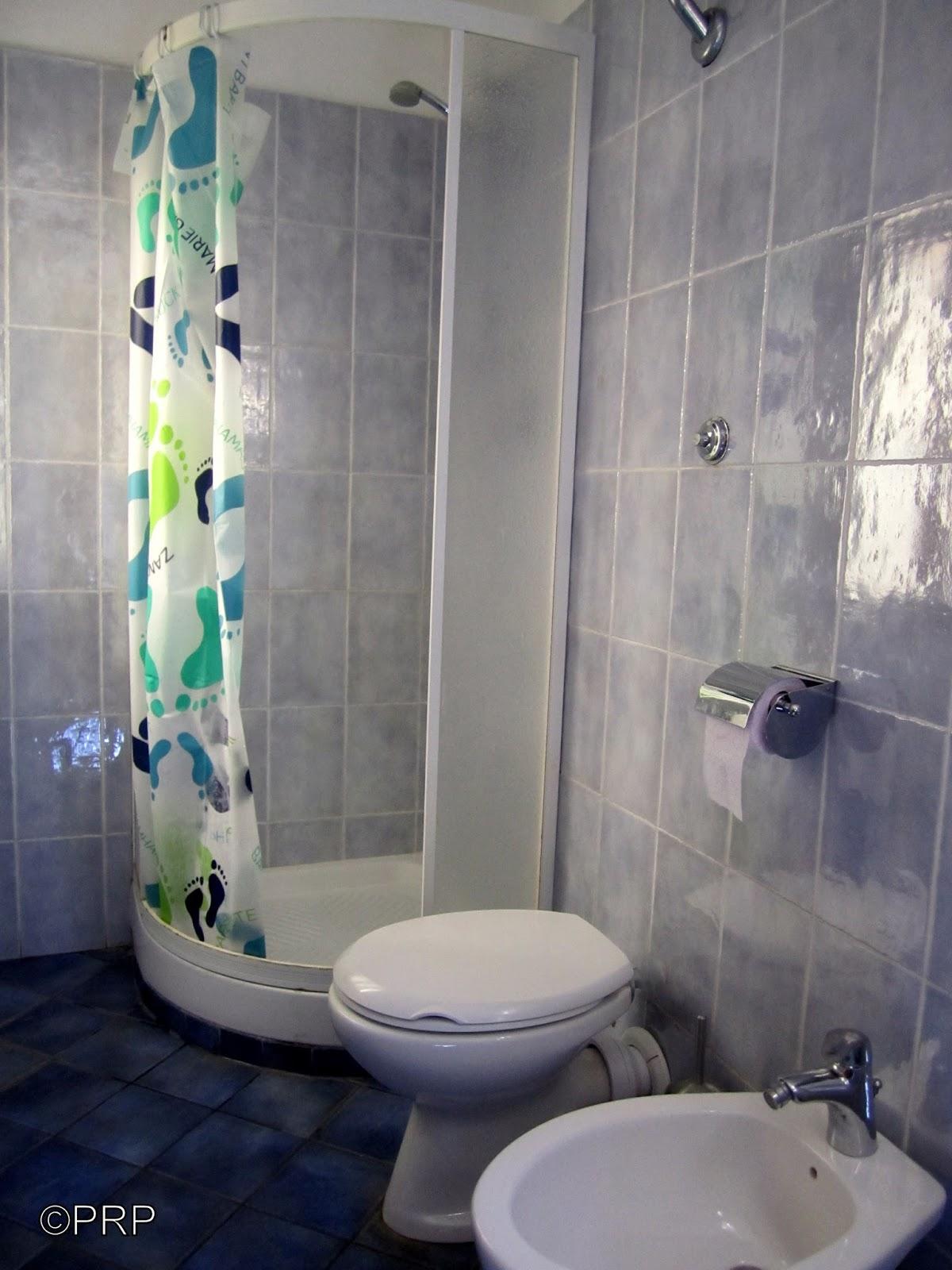 per quelli che hanno bisogno di spazio e intimit la camera doppia uso singolo pu usufruire delluso del bagno privato o uso in comune