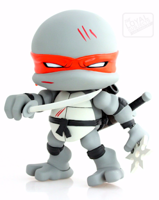 "Teenage Mutant Ninja Turtles ""Battle Damaged"" Leonardo Jumbo Vinyl Figure by The Loyal Subjects"