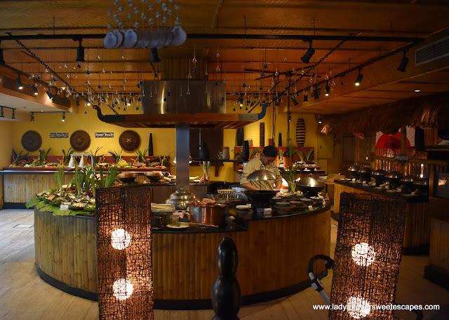 buffet in Bamboo Lagoon Dubai
