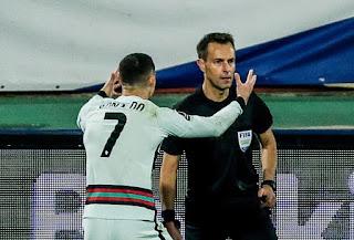 حكم مباراة البرتغال يعلن تفاصيل واقعة كريستيانو رونالدو