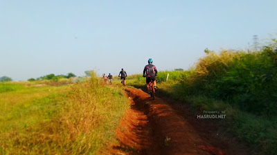 Single Trek Sepeda Situ Cibeureum Bekasi