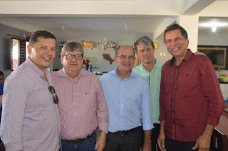 Marcelo Bandeira e Teotônio almoçam com João Azevêdo em Solânea