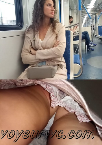 Upskirts N 3117-3125 (Upskirt voyeur videos with girls teasing with their butts on the escalator)