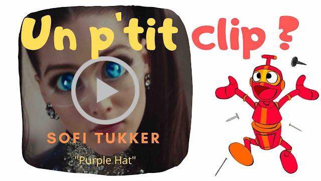 """Le duo Sofi Tukker revient avec le clip de """"Purple Hat""""."""