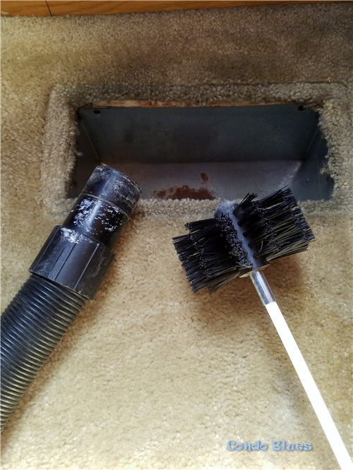 how to clean central air conditioning ducts and vents