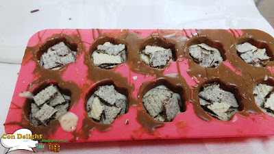 Adding wafer cuts into praline mold