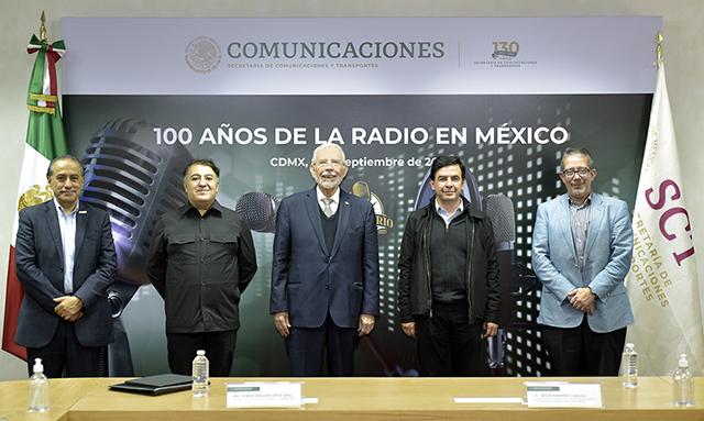 La radio ha prestado un servicio de trascendencia a la población: Arganis Díaz-Leal