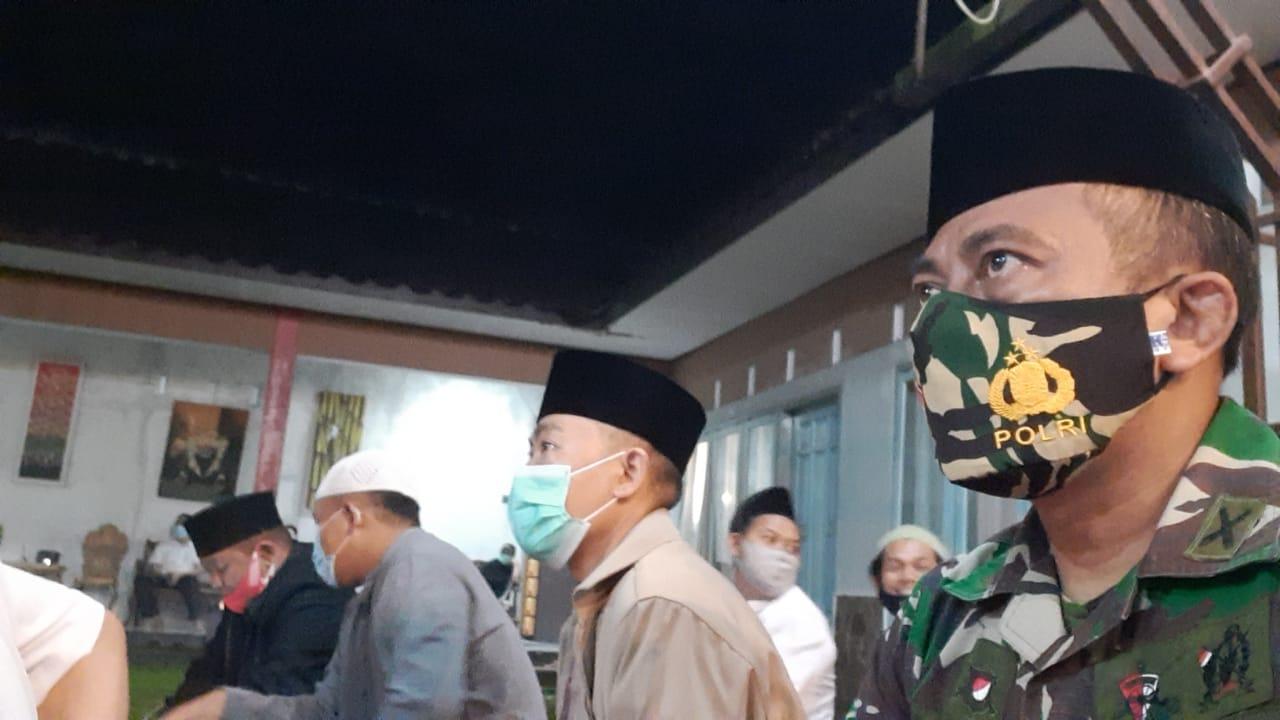 Danramil Hadiri Yasinan dan Tahlilan di Salah Satu Warga Binaanya