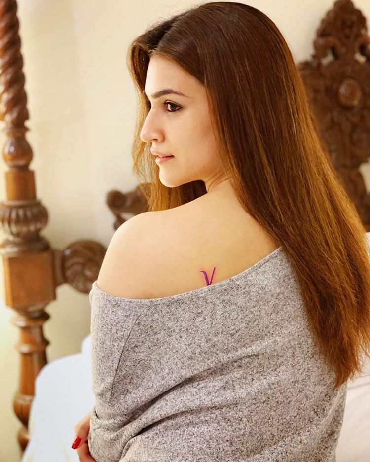 Kriti Sanon lovely body tattoo Photos.