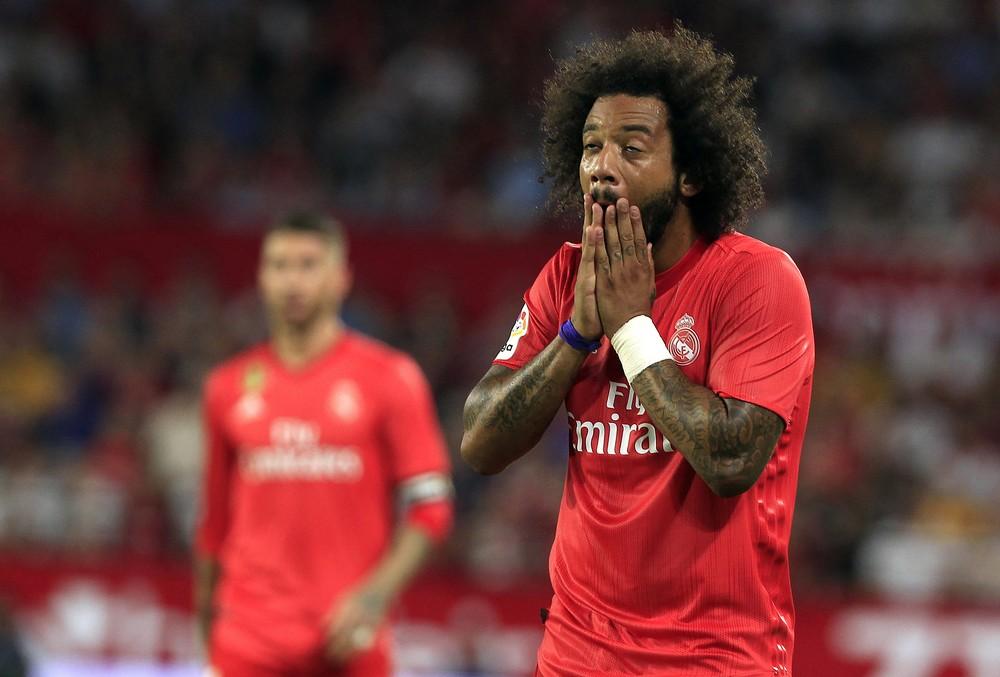 c50c5d4a8e3a7 Marcelo se lesionou em confronto contra o Sevilla — Foto  AP