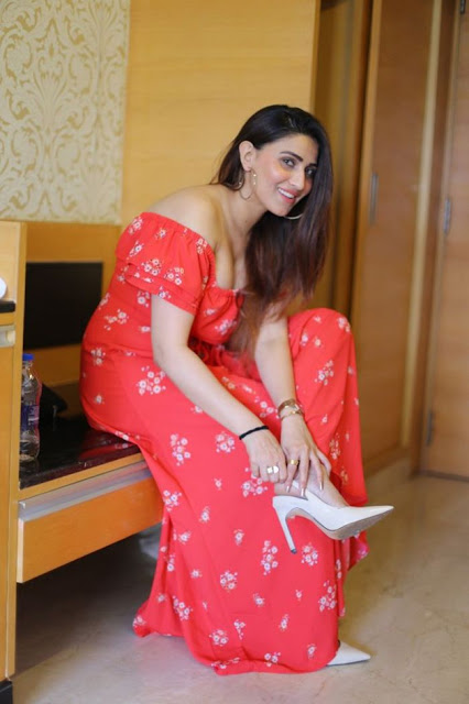 Bollywood Actress Inayat Recent Pictures in Red Dress Actress Trend