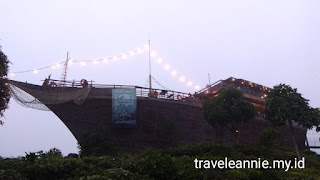 Pinisi Resto Glamping Lakeside Rancabali