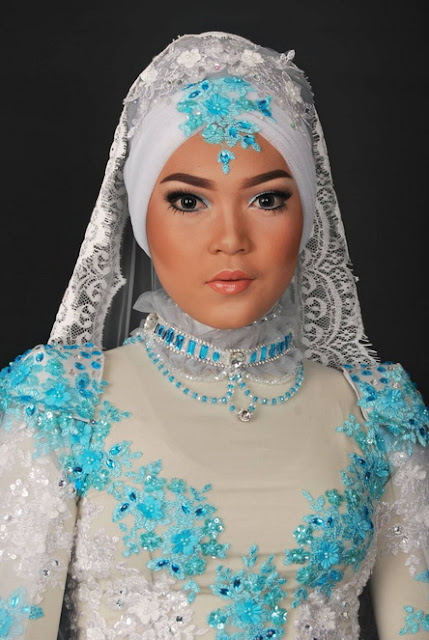 model,hijab causal,dhea