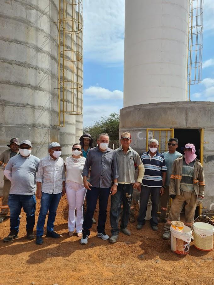 Prefeito Antônio Martins realiza vistoria às obras do Sistema de Abastecimento D' Àgua de Cacimbas / Rafael Arruda