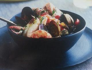 Zuppa di pesce con cozze e vongole