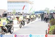 Polri Sebar 458 Ton Beras dan 15 Ribu Paket Sembako ke Masyarakat Banten