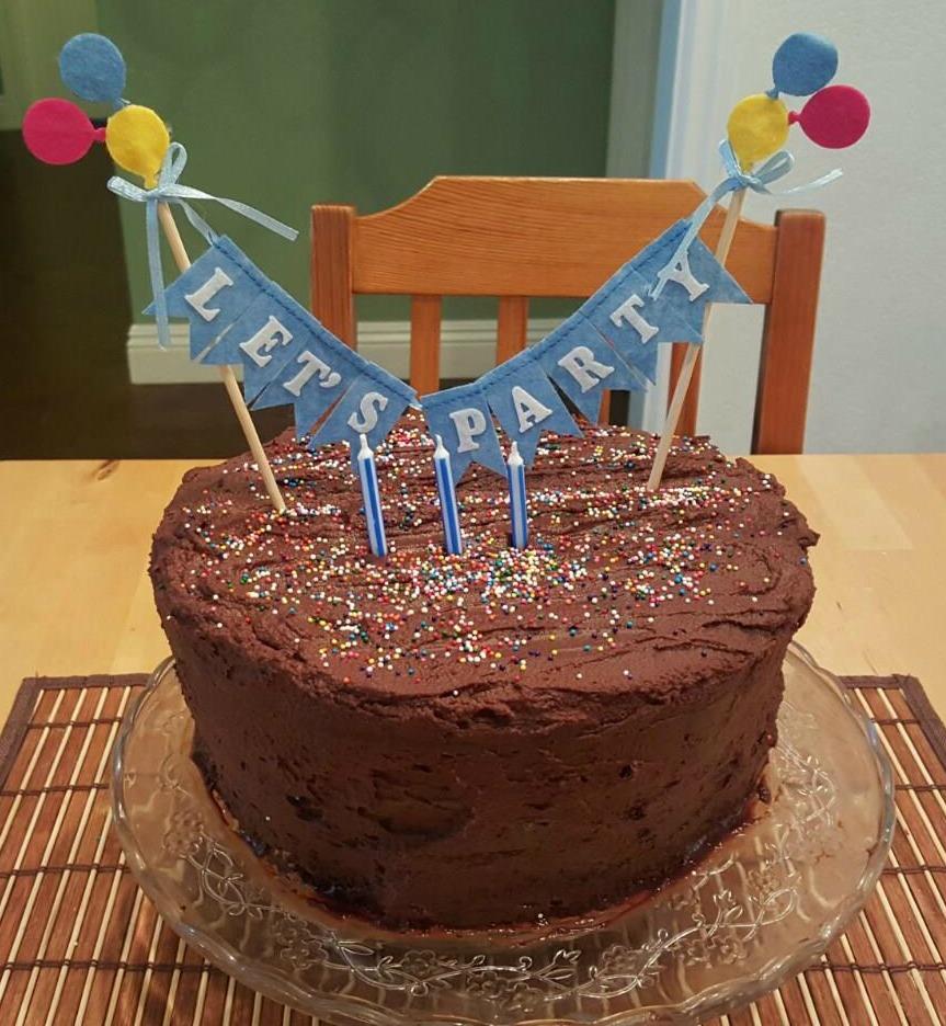 Zola's Mom: Homemade Chocolate Birthday Cake
