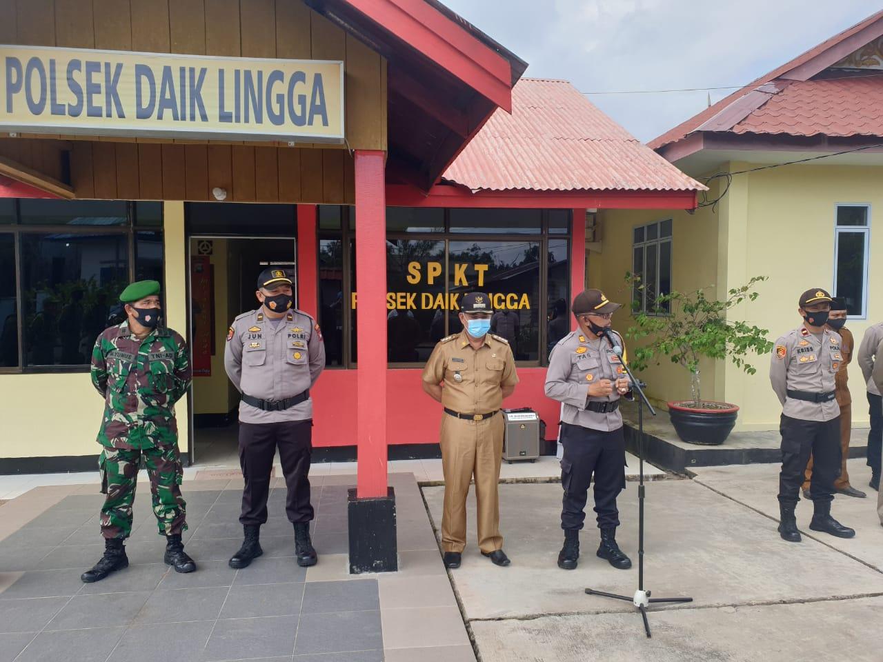 Kapolsek Daik Lingga Memimpin Apel Gabungan Pergeseran Pasukan Pengamanan Pilkada  2020 di Kecamatan Lingga