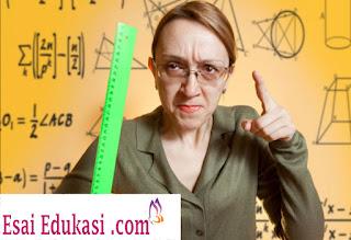 guru suka marah / esai edukasi