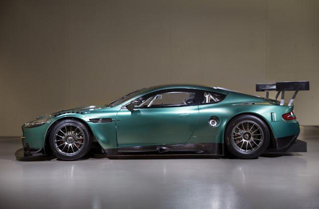 Aston Martin DBR9 2000s GT racing car