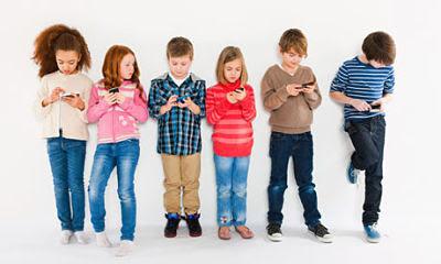 TAMAN MANTRA Mengurangi Resiko Penggunaan Gadget pada Anak
