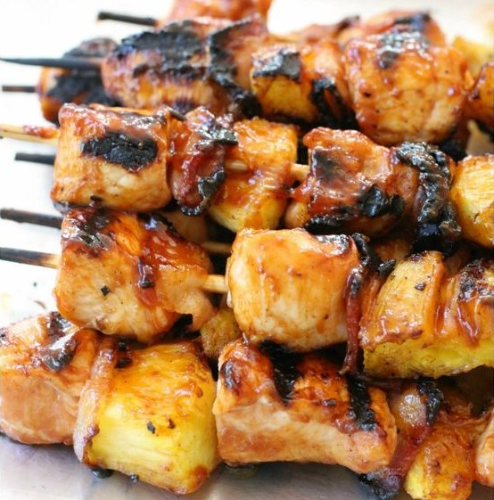 BBQ CHICKEN KABOBS with BACON and PINEAPPLE #BBQ #Chicken