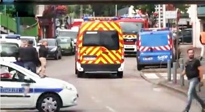 Un cura degollado por el IS en Francia