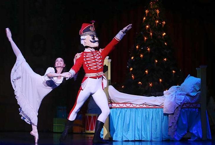 Canberra critics circle the nutcracker queensland ballet for Floor nutcracker