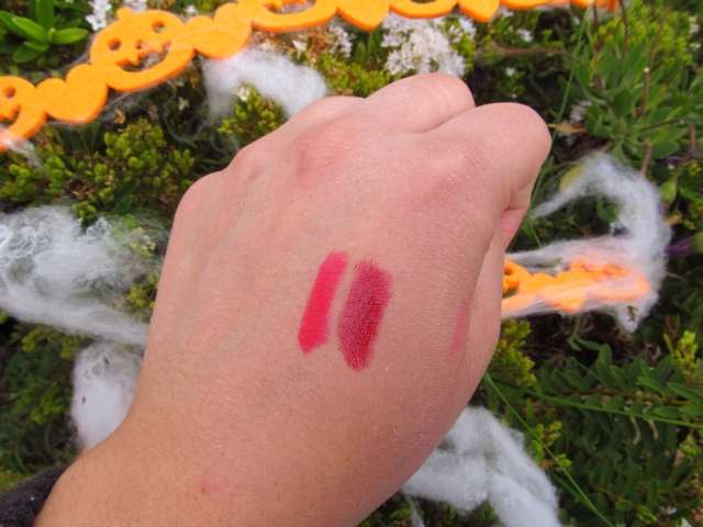 swatch red velvet revlon