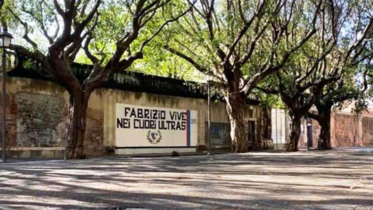 piazza Dante rimozione murales Fabrizio Lo Presti