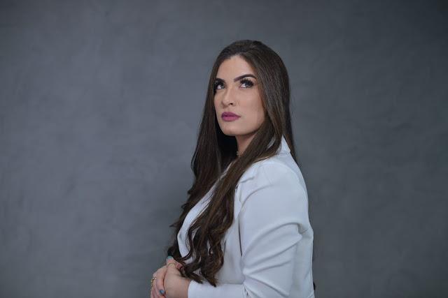 "Isabelle Dias ""Lavar Teus Pés,"" produção Filippe Trindade"