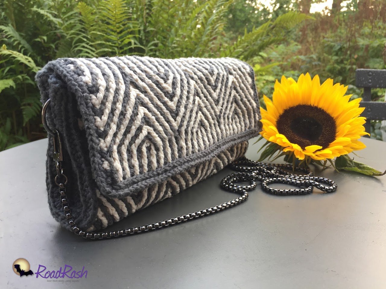 Zebra crochet clutch by Hilde Tindlund.