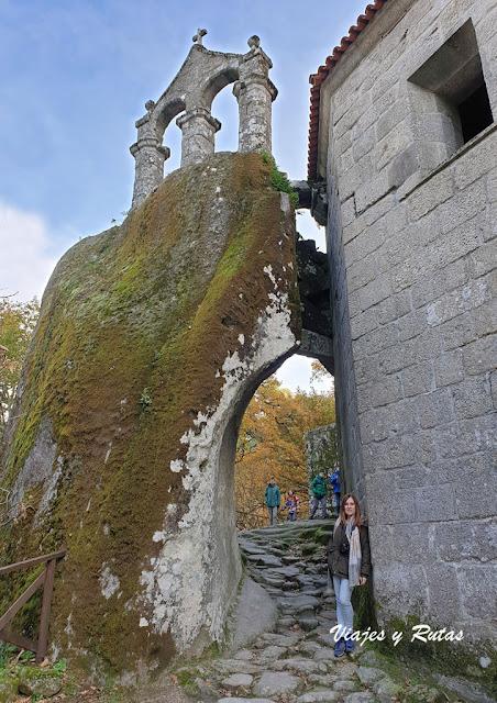Espadaña de San Pedro de Rocas, Ourense