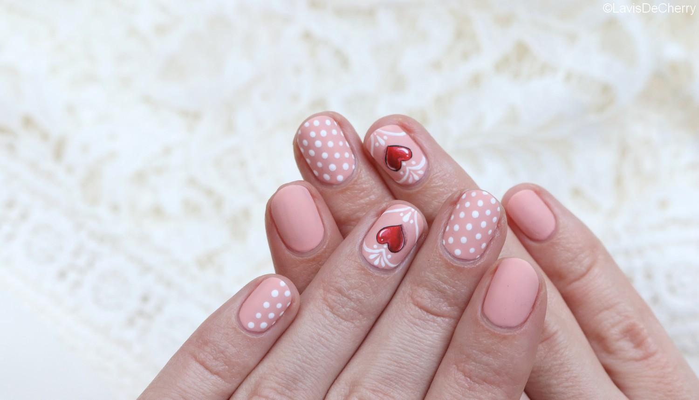 nail-art-nude-coeur-rouge-3d-mariage-saint-valentin-romantique
