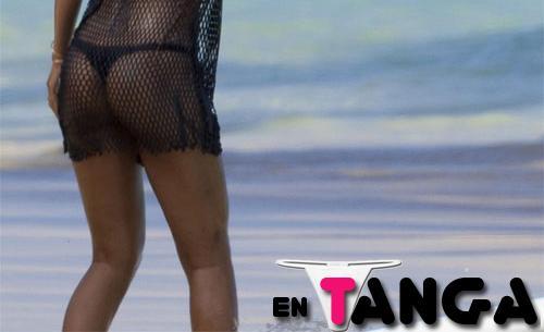 Rihanna En Tanga