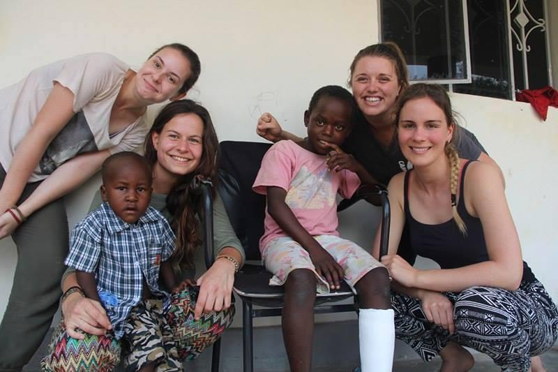 voluntouring, voluntourism, food and accommodation, free hospitality, Uganda, volunteers, team, women volunteers