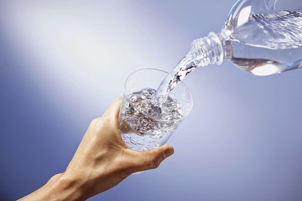 Benefits of drinking water and what isthe ideal number of cups per day?