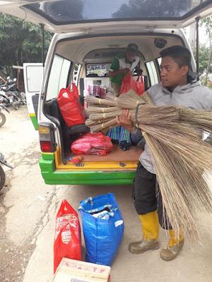 Pasca Banjir Puluhan Relawan LAZ YAKESMA Serbu Perumnas 1 Bekasi