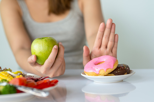 Could Low Carb Eating Help You Losing Weight