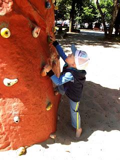 Parki dinozaurów, które warto odwiedzić z dzieckiem.