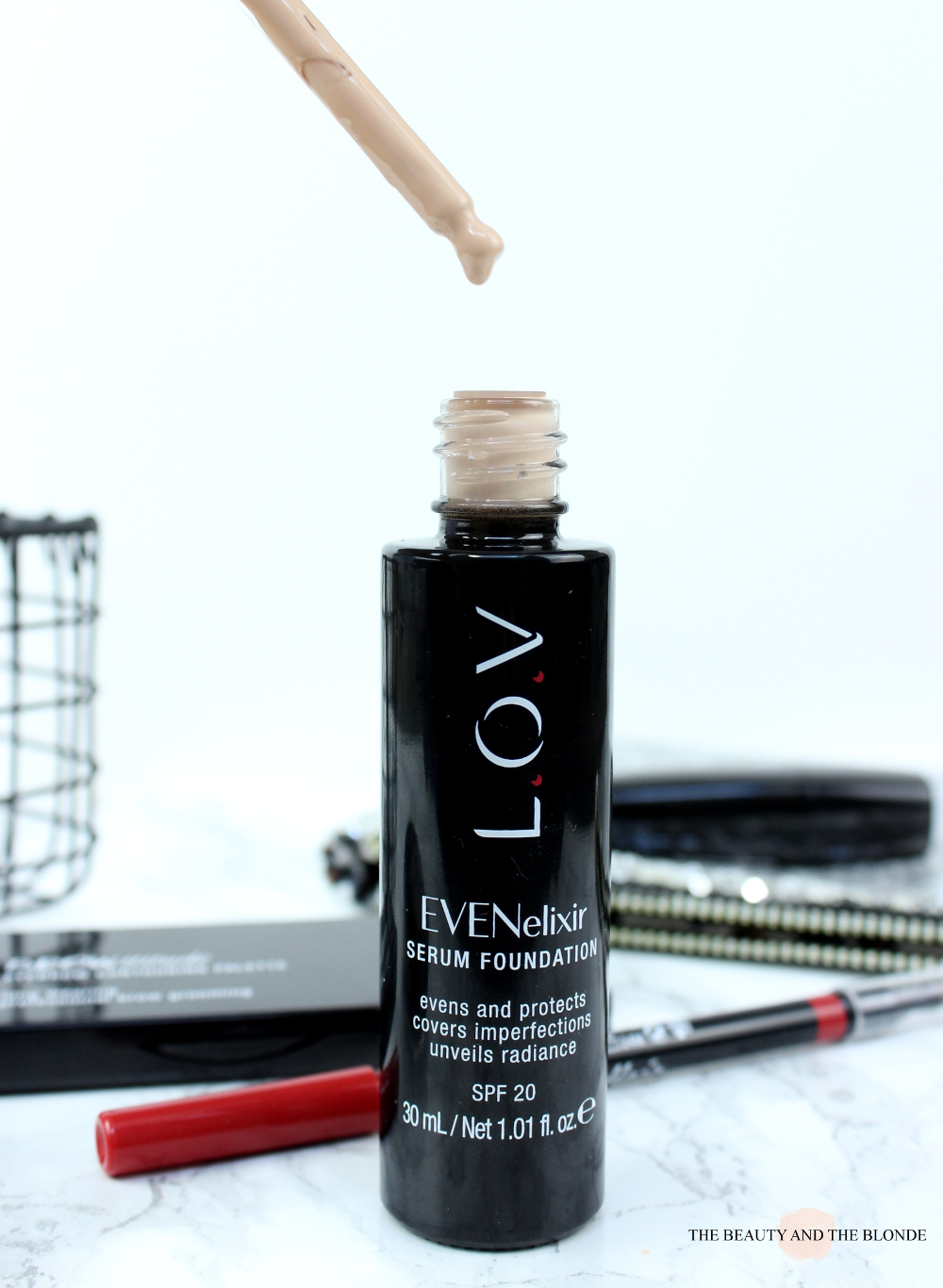L.O.V Cosmetics review  lov EVENelixir Serum Foundation, 20 fair dream, Pipette