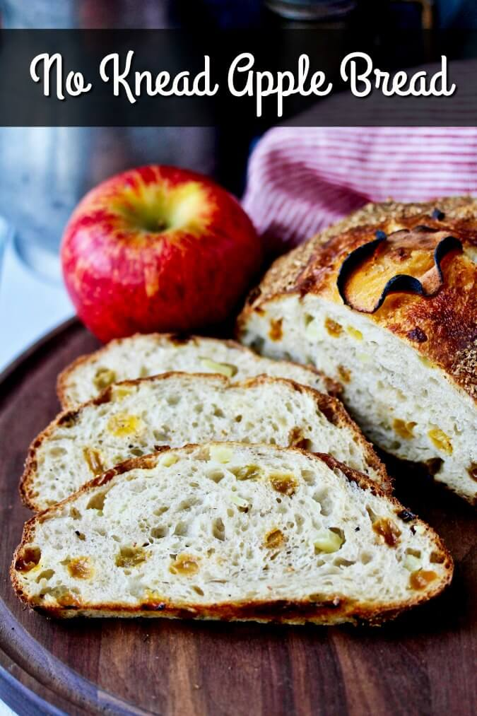 No knead apple bread with crisp and sweet apples #nokneadbread #apples