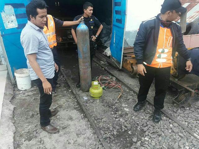 Polisi Tembak Pencuri Besi Rel