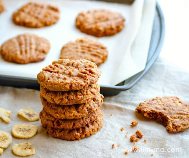 Banana Almond Butter Cookies