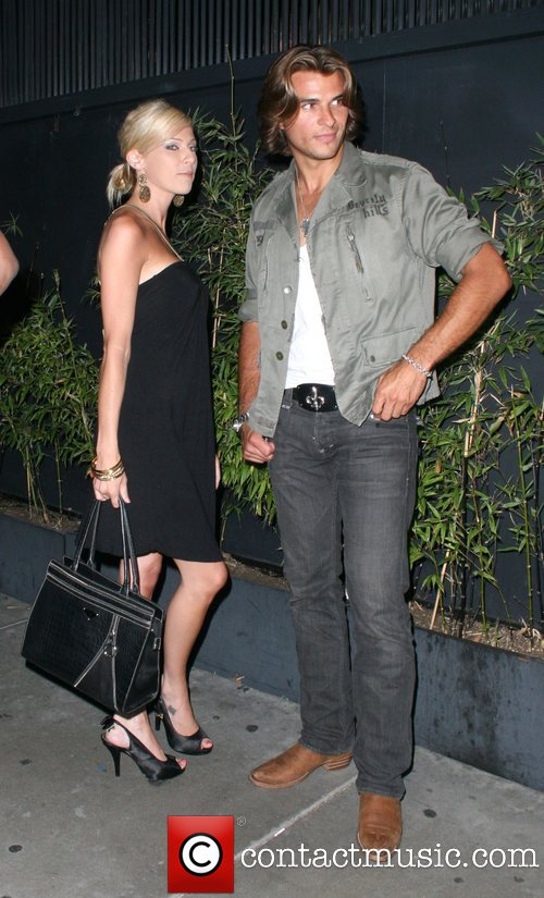 Taylor Kitsch - With Girlfriend In Photos | Hollywood