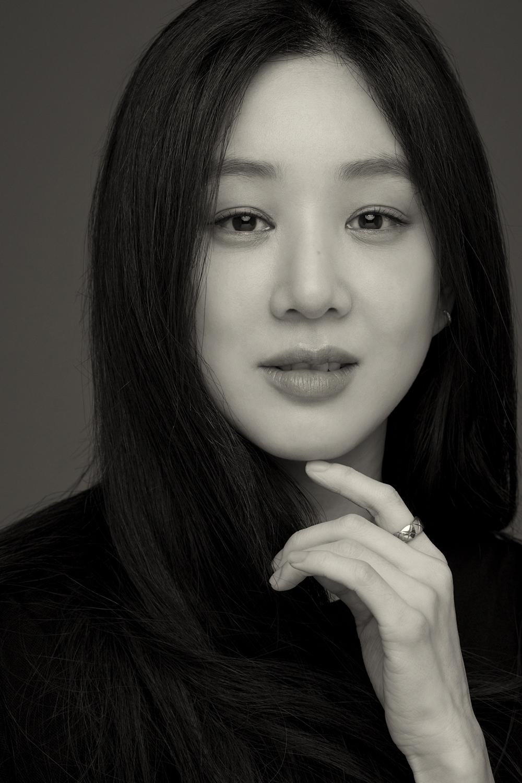 정려원 '코리아 액터스 200' 공식 선정 기념 화보
