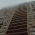 У Дніпровському районі патрульний на льоту спіймав жінку, яка стрибнула з балкону 15 поверху